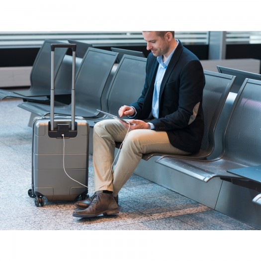 In this article you will know about LEXICON SMART SUITCASE. this smart suitcase will chnage the way of your travel. it has USB port and Sim.
