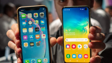 Photo of Samsung Galaxy S10e vs. Apple iPhone XR